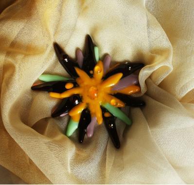 """брошь цветок """"яркие брызги"""" художественное стекло"""