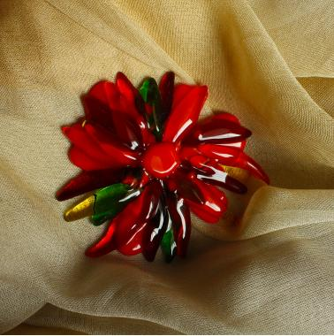 """брошь """"красный цветок"""" художественное стекло"""