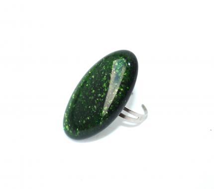 кольцо изумрудно-зеленое мерцающее
