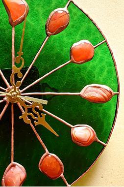 """часы настенные """"Ливерпуль"""" с натуральным сердоликом"""